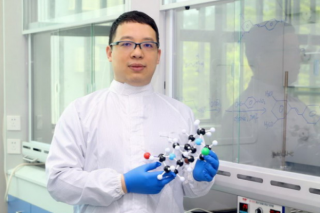 """Jiaheng Zhang HIT (Shenzhen)Research Team Develops Products for Repairing """"Alcohol Hand"""" of Medical Staff"""