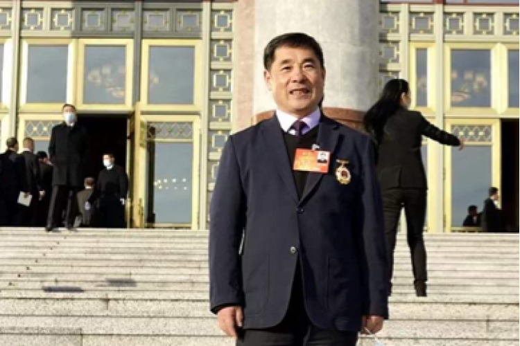 Once every five years, this very member of HIT is awarded the highest honor for workers in China